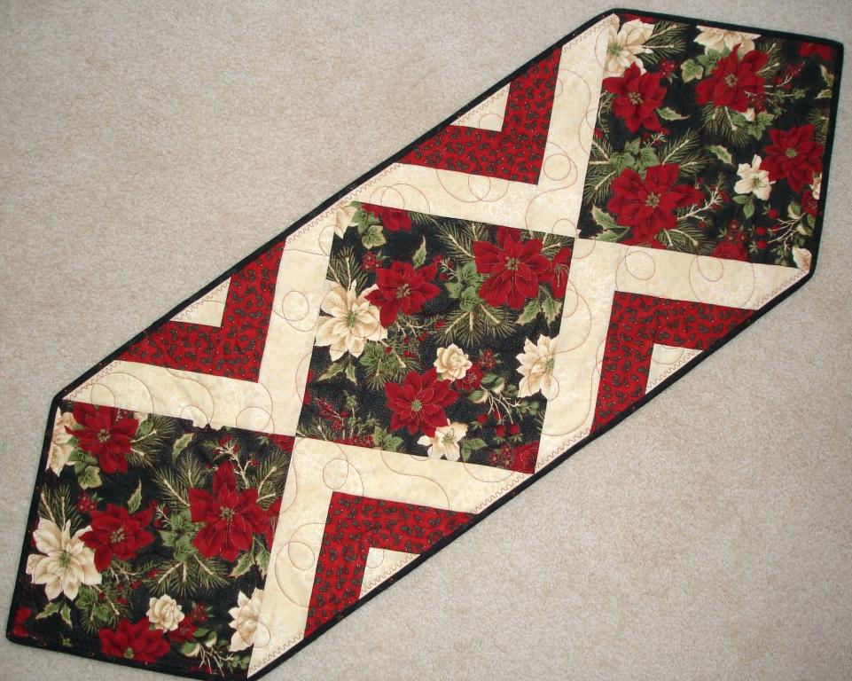 Christmas Table Runner Patterns Free.A Handmade Christmas Gift Ideas 12 Of 12 Tablerunners